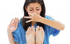 Os 8 Melhores Remédios Caseiros para o Odor do Pé (Chulé)