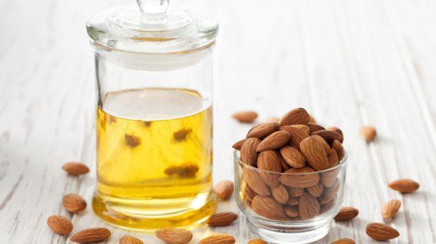 oleo de amendoa para o cabelo